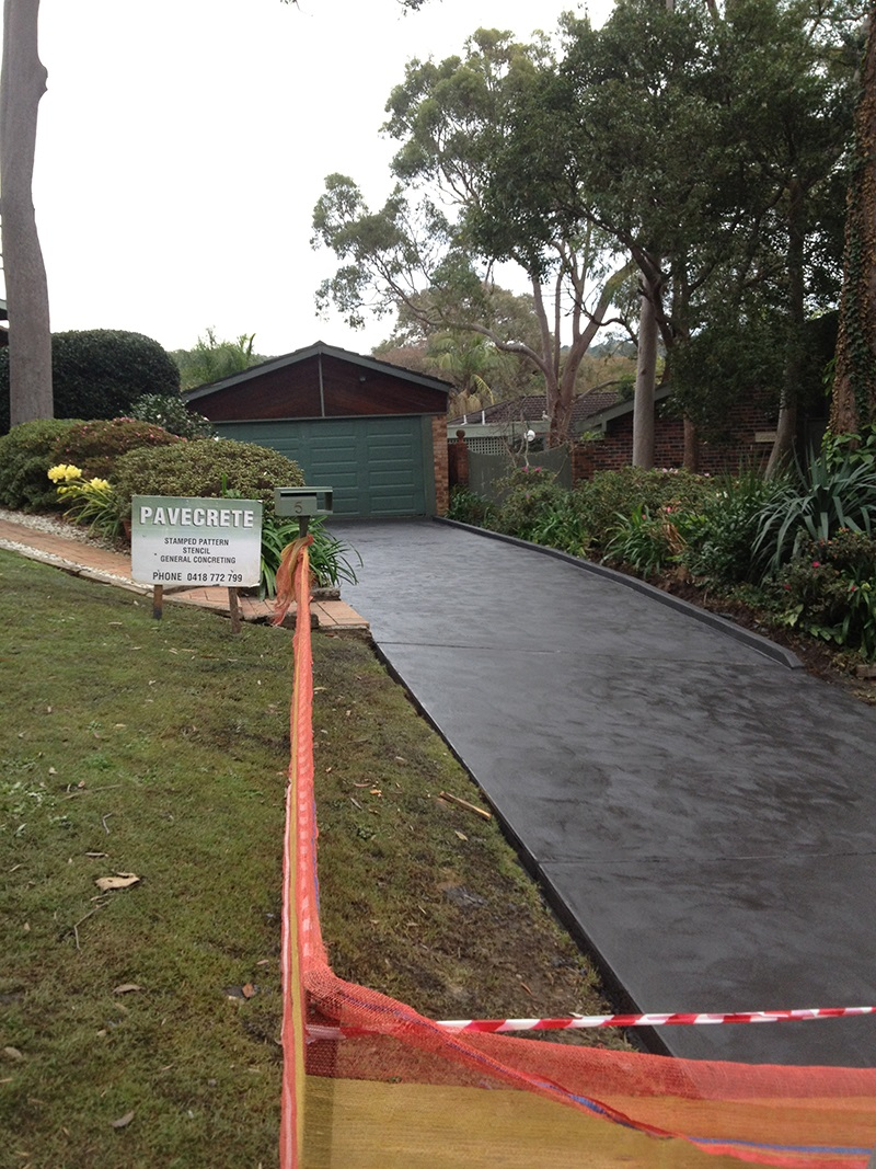 Mona Vale Driveway Coloured Concrete Trowel finish